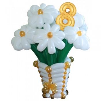 """Корзина с цветами из воздушных шаров """"Восемь ромашек"""""""