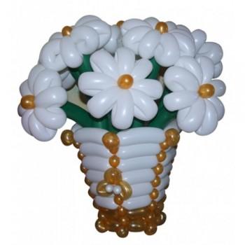 """Корзина с цветами из воздушных шаров """"Ромашки в золотой корзине"""""""